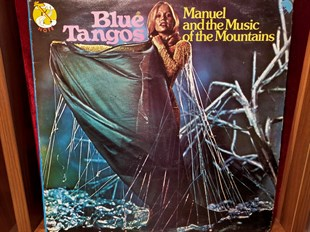 MANUEL AND THE MUSIC OF THE MOUNTAINS - BLUE TANGOS