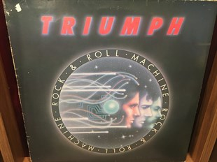 TRIUMPH - ROCK & ROLL MACHINE  (İKİNCİ EL)