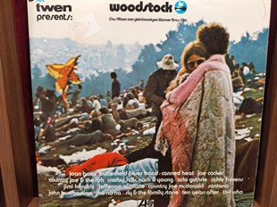 VARIOUS ARTIST - WOODSTOCK - MUSIC FROM THE ORIGINAL SOUNDTRACK AND MORE